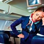 """""""البيجاما وشوربة العظم"""".. أغرب طلبات المسافرين في الطائرة"""