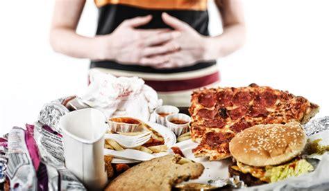 أسوأ الأطعمة التي تؤثر علي عملية الهضم